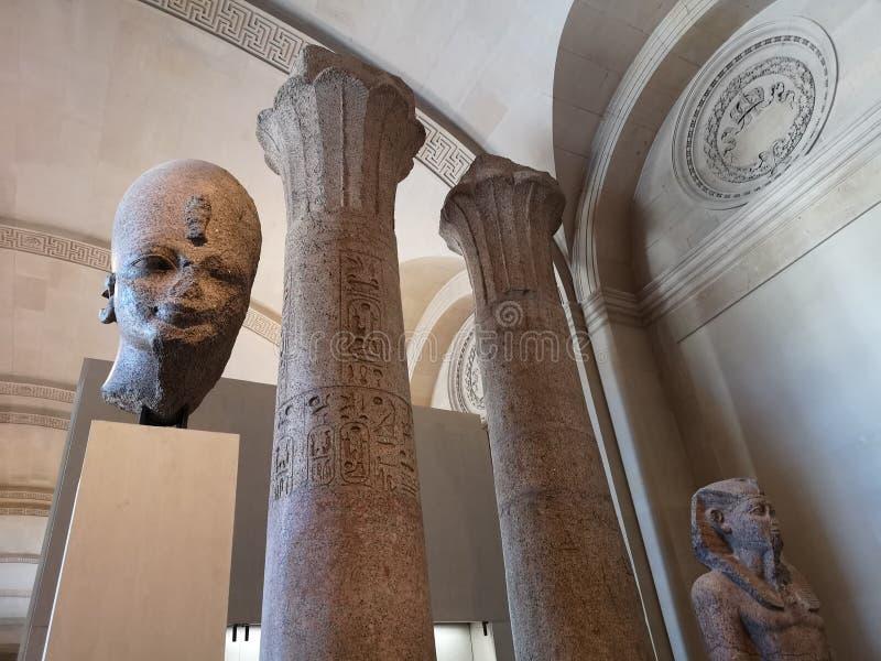 Sculptures dans le musée de Louvre à Paris, France image stock
