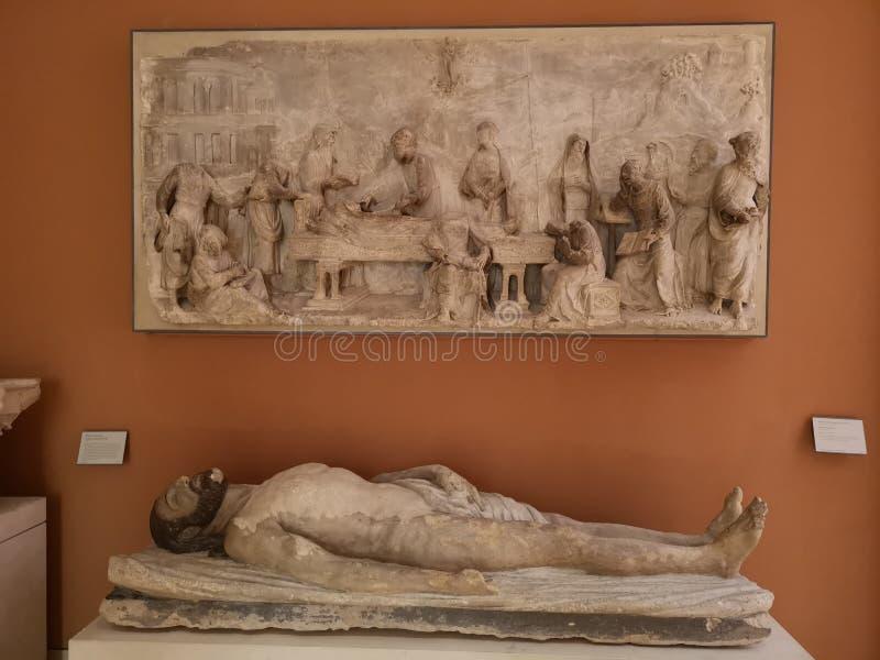 Sculptures dans le musée de Louvre à Paris, France photos stock