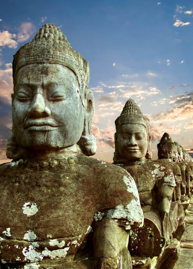 Sculptures des démons de l'Asie photos stock