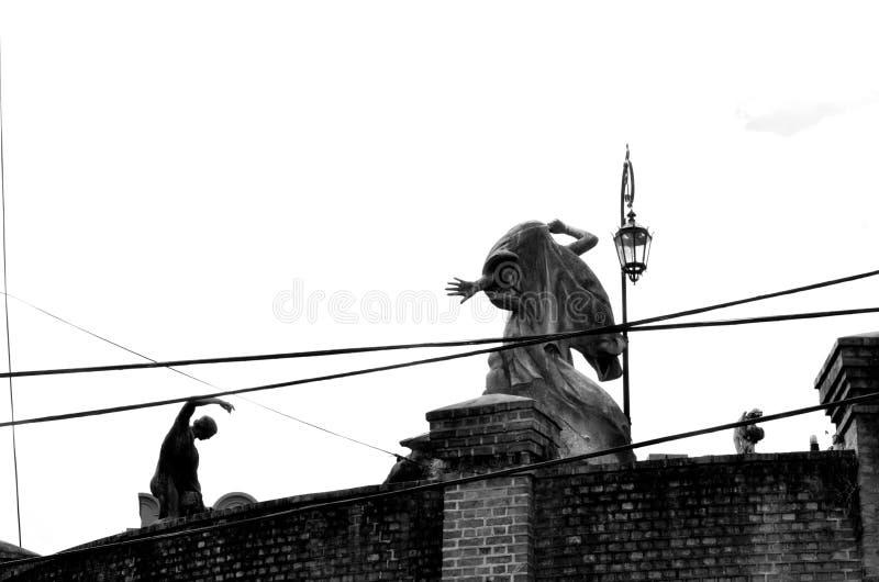 Sculptures en cimetière de Recoleta image libre de droits