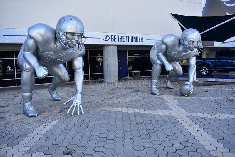 Sculptures en Ford Thunder Alley Football Player photos stock