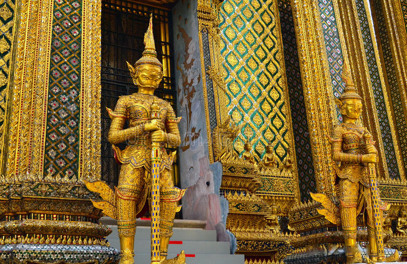 Sculptures en temple bouddhiste photos libres de droits