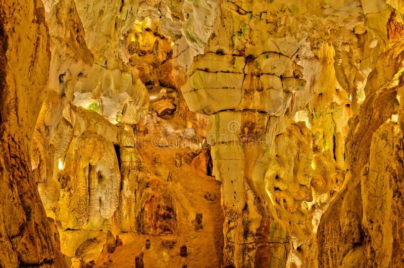 Sculptures normales en caverne photo libre de droits
