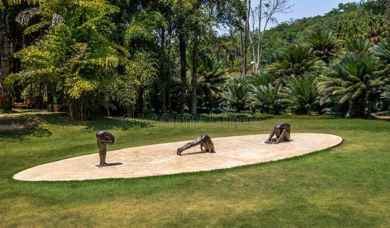 Sculptures sans titre par Edgard de Souza chez Inhotim Art Museum contemporain public - Brumadinho, Minas Gerais, Brésil images stock