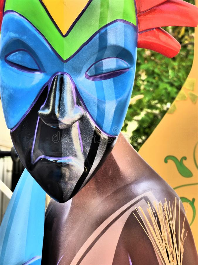 Sculptuur van de Afrikaanse stamfiguur stock afbeelding