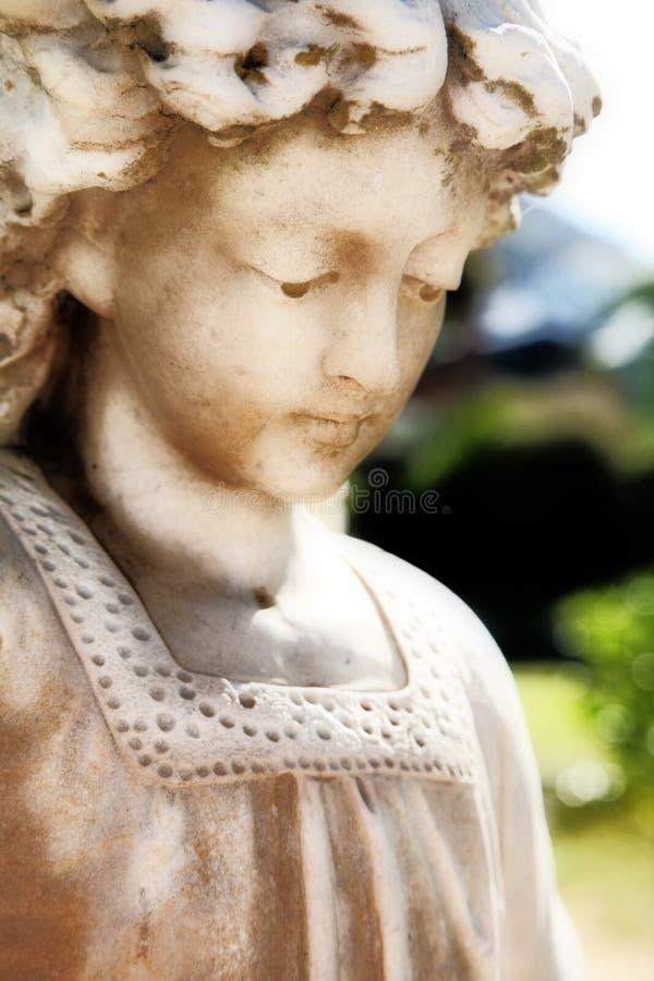 Scultura angelica fotografia stock libera da diritti