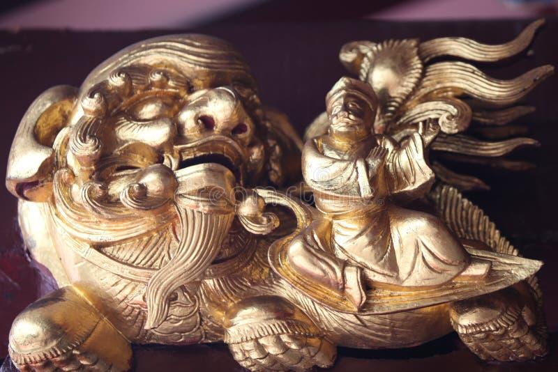 Scultura, architettura e simboli di Hinduismo e di buddismo fotografia stock libera da diritti