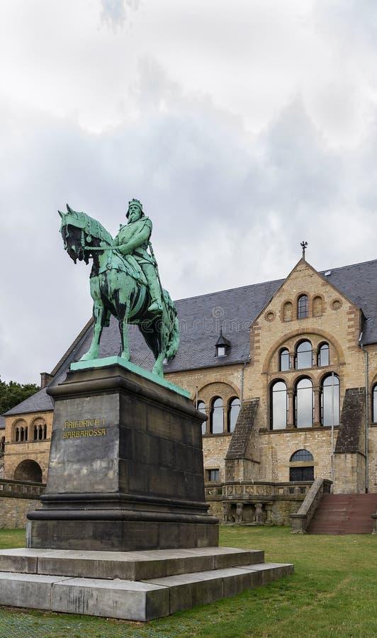 Scultura circa il palazzo di Goslar, Germania immagini stock