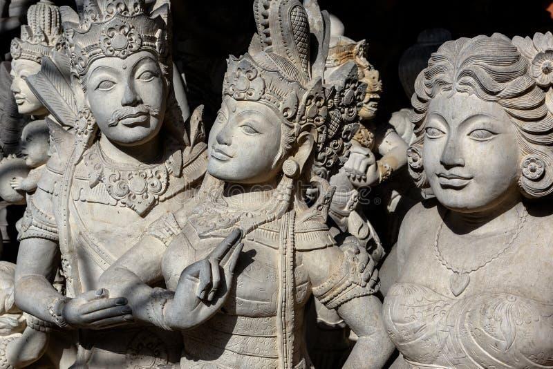 Scultura degli eroi mitici e di Budha fotografia stock