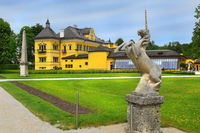 Scultura degli unicorni nel parco del palazzo di Hellbrunn, Salisburgo immagini stock libere da diritti
