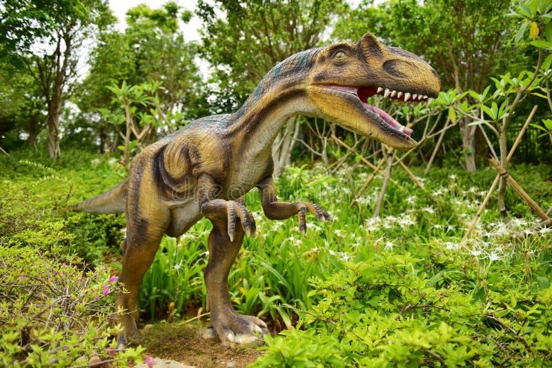 Scultura del dinosauro fotografia stock