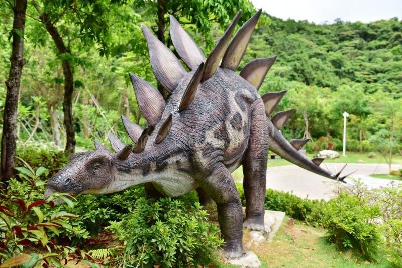 Scultura del dinosauro fotografie stock libere da diritti