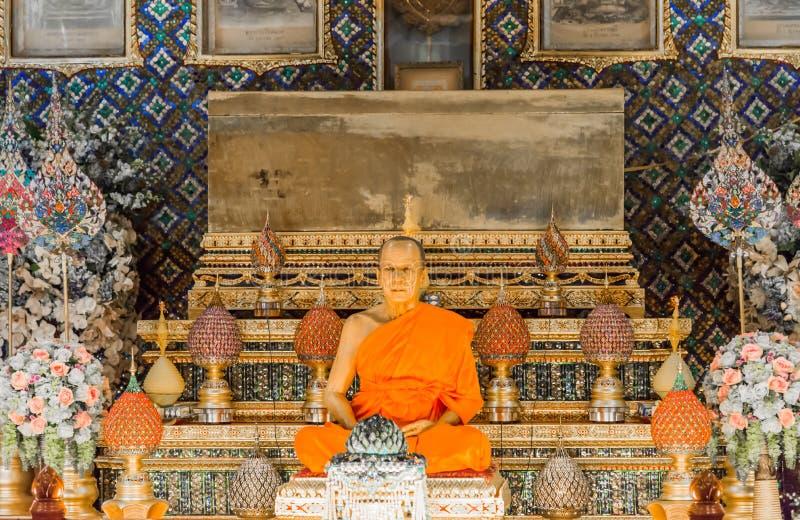 Scultura della cera dell'abbot in Wat Paknam Thailand fotografia stock libera da diritti