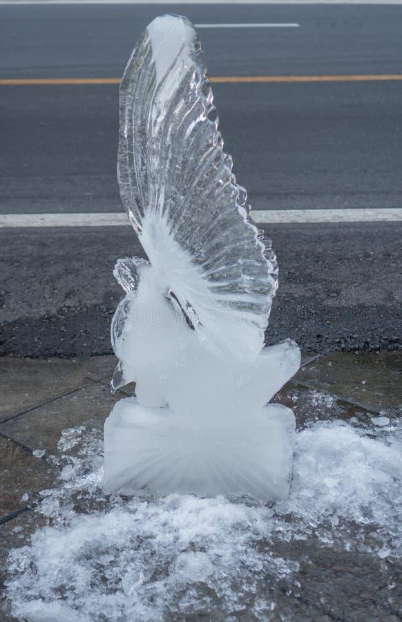 Scultura della scultura di ghiaccio immagini stock