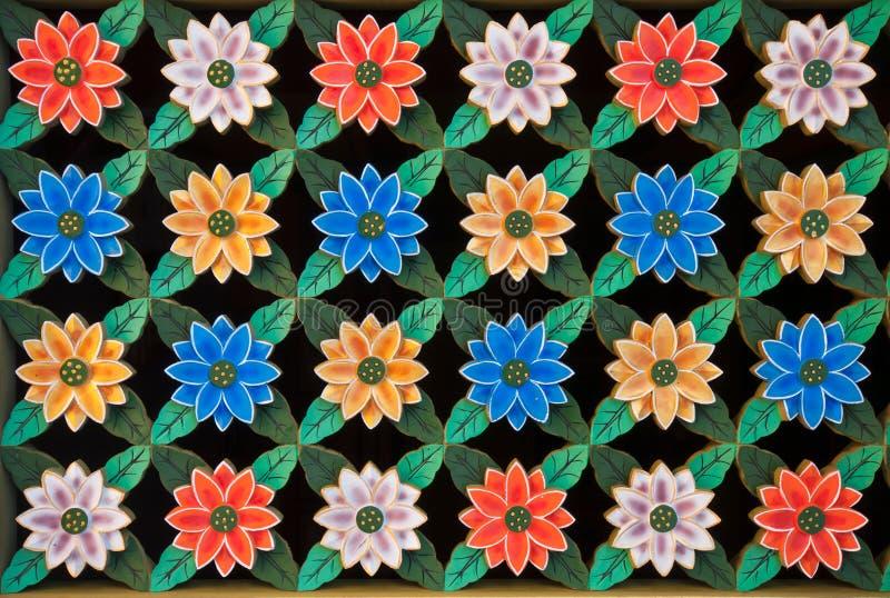 Scultura delle finestre del fiore di loto immagine stock