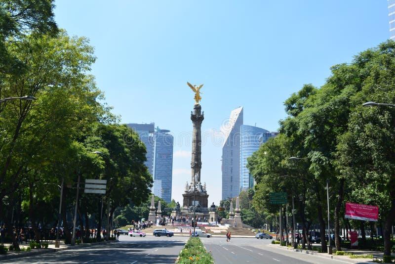 Scultura di Angel de la Independencia, in Città del Messico immagini stock