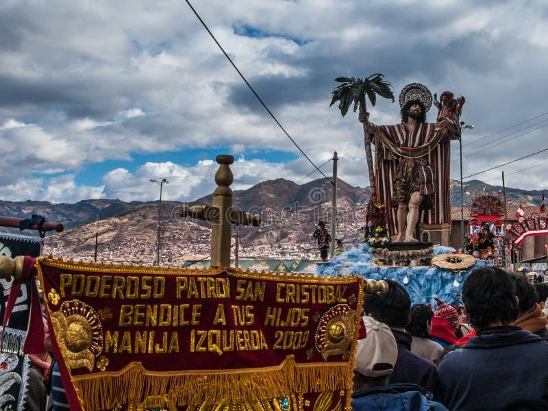 Scultura di San Cristobal durante la processione del corpus Chris fotografia stock libera da diritti