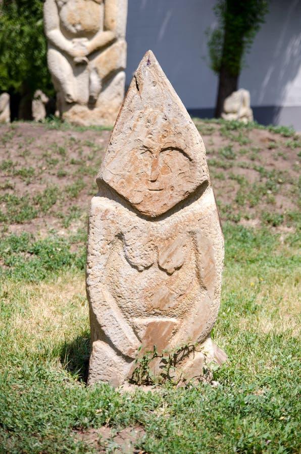 Scultura polovtsian di pietra in parco-museo di Lugansk, Ucraina fotografie stock