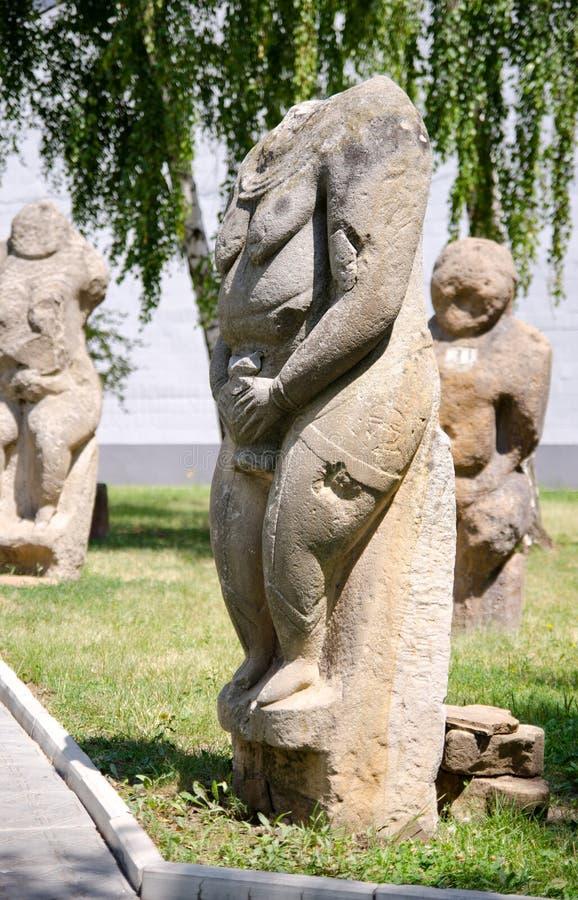 Scultura polovtsian di pietra in parco-museo di Lugansk, Ucraina fotografie stock libere da diritti