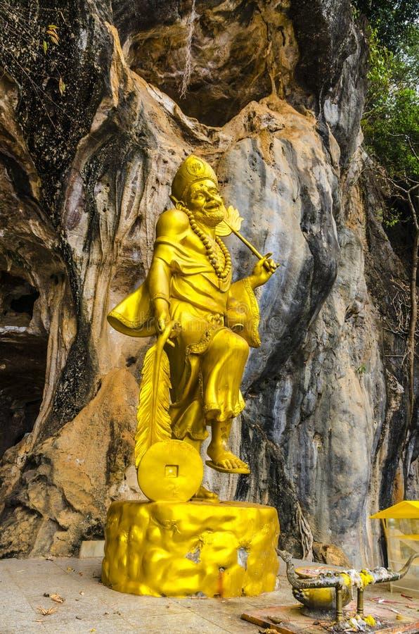 Download Sculture Buddisti Della Creatura Mistica All'interno Di Un Tempio Buddista Fotografia Stock - Immagine di architettura, nessuno: 30828472