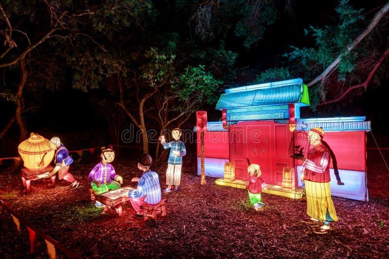 Sculture cinesi della lanterna che descrivono la casa e la famiglia del cinese tradizionale immagine stock libera da diritti