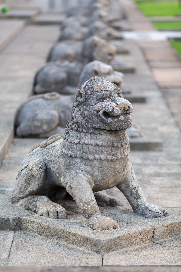 Sculture dei leoni Colombo, Sri immagini stock