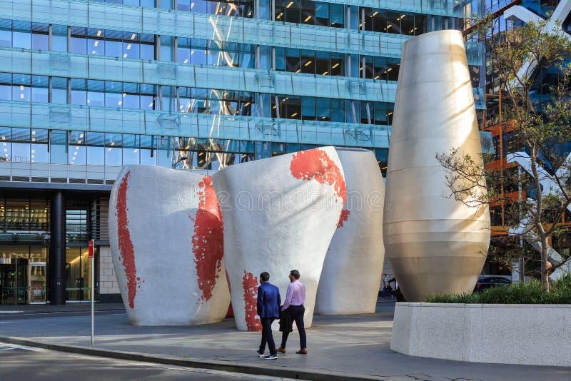 Sculture giganti della via nel centro direzionale di Sydney, Australia fotografia stock libera da diritti