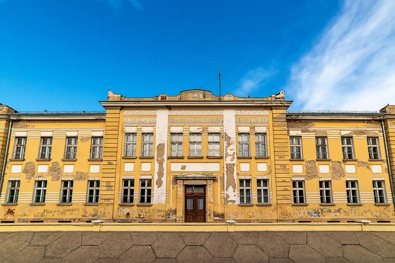 """Scuola primaria """"23 della scuola elementare Ottobre """"in Sremski Karlovci, Serbia fotografia stock libera da diritti"""