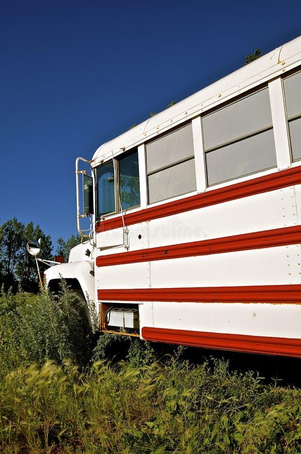 Scuolabus variopinto del campeggiatore fotografia stock