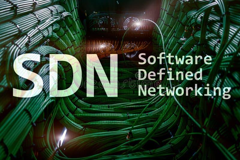 SDN, logiciel a défini le concept de mise en réseau sur le fond moderne de pièce de serveur illustration stock