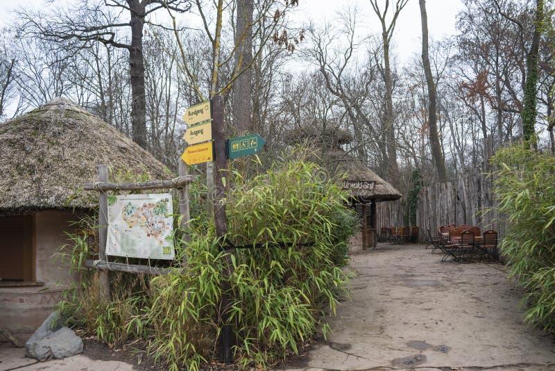 Seção africana do continente do jardim zoológico de Leipzig fotos de stock royalty free
