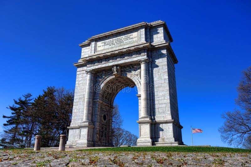 Señal conmemorativa nacional del arco en la fragua del valle imagen de archivo