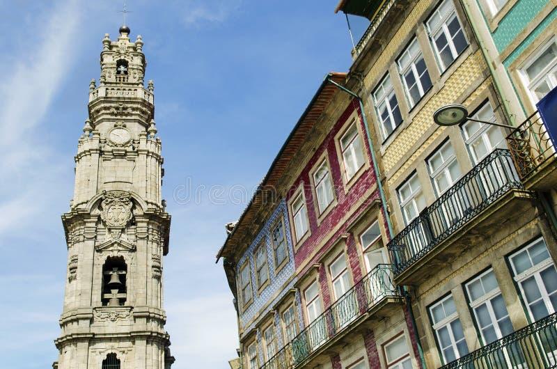 Señal de la torre de Clerigos en Oporto Portugal imagen de archivo