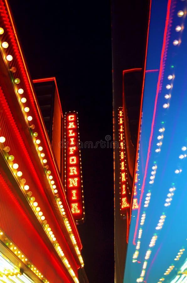 Señal de neón del hotel y del casino de California fotografía de archivo