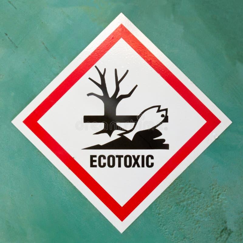 Señal de peligro ecotóxica del símbolo del peligro imagenes de archivo