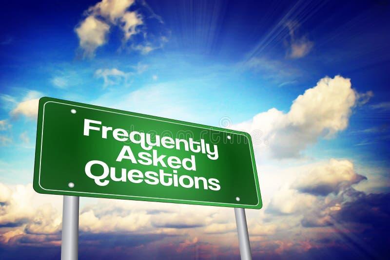 Señal de tráfico con frecuencia pedida del verde de las preguntas (FAQ), concepto del negocio imagen de archivo