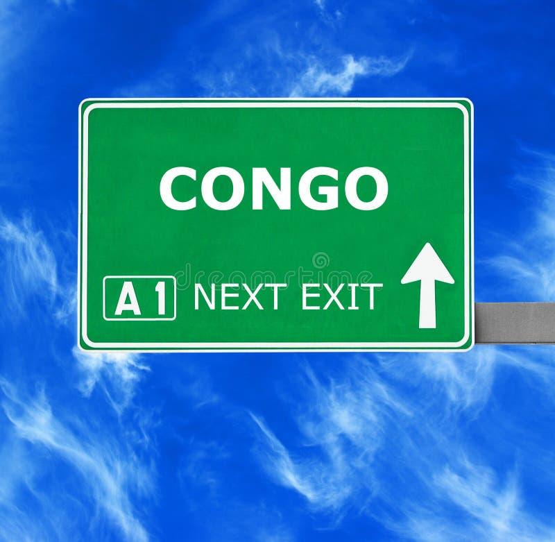 Señal de tráfico de CONGO contra el cielo azul claro imagen de archivo libre de regalías