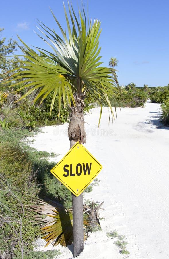 Señal de tráfico de la isla caribeña fotografía de archivo