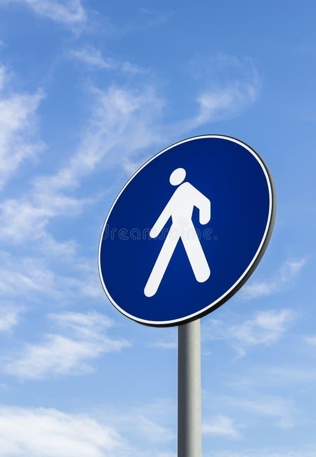 Señal de tráfico de los peatones solamente imagen de archivo libre de regalías