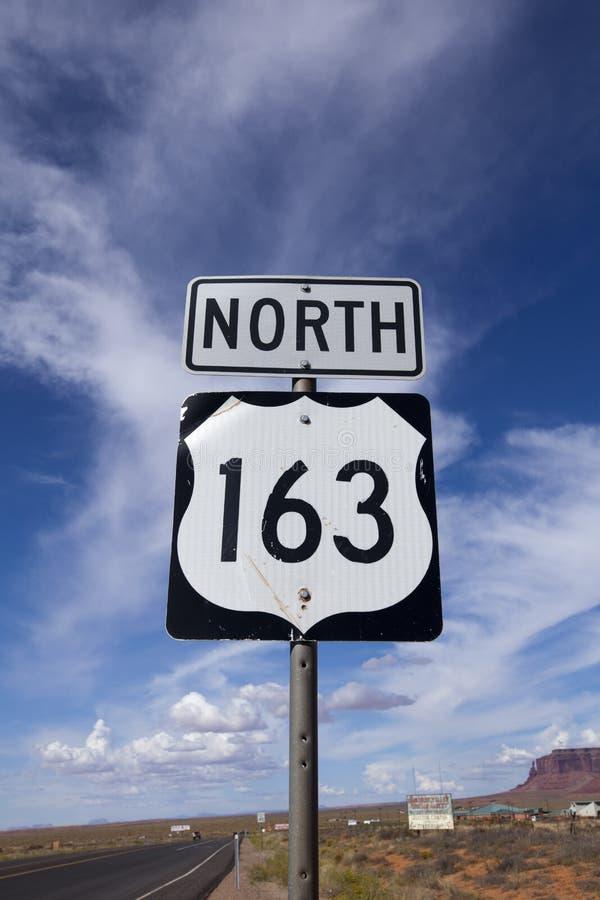 Señal de tráfico del norte de la carretera 163 imagenes de archivo