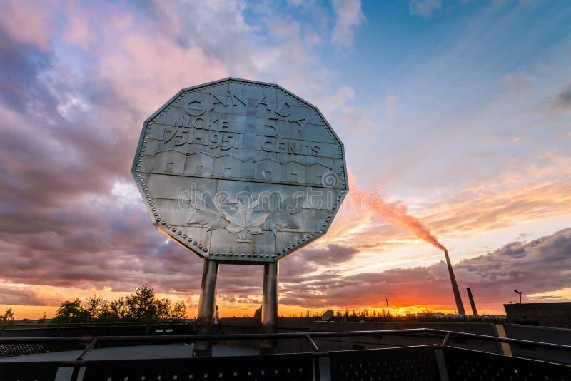Señal grande del níquel en Sudbury, Ontario foto de archivo