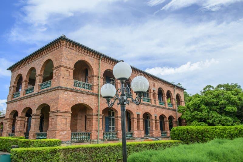 Señal histórica de la residencia británica anterior Tamusi del consulado Taipei Taiw?n imagenes de archivo