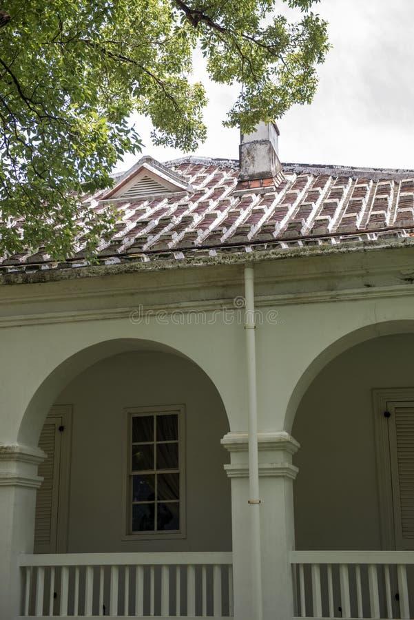 Señal histórica del edificio de residencia histórico foto de archivo
