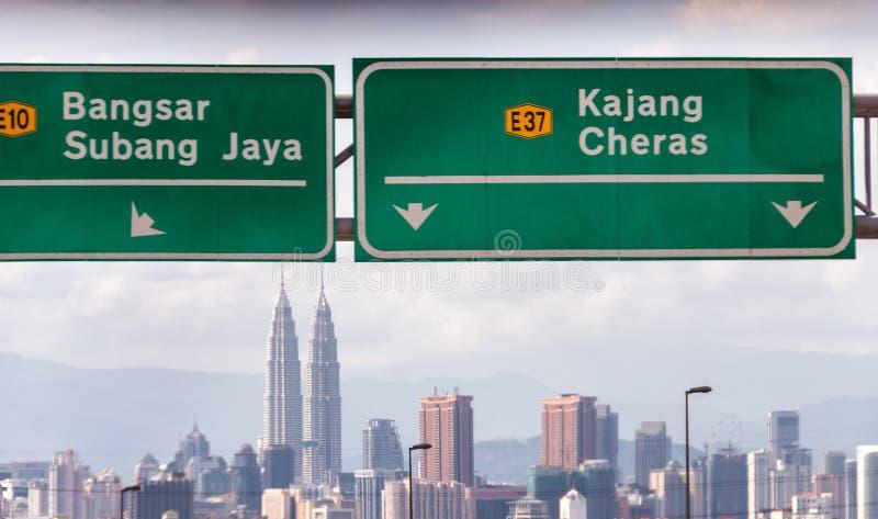 Señales de tráfico de Kuala Lumpur, Malasia fotografía de archivo libre de regalías