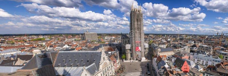 SEÑOR, BÉLGICA - MARZO DE 2015: Opinión aérea de la ciudad de Panoramc Attr del señor imágenes de archivo libres de regalías