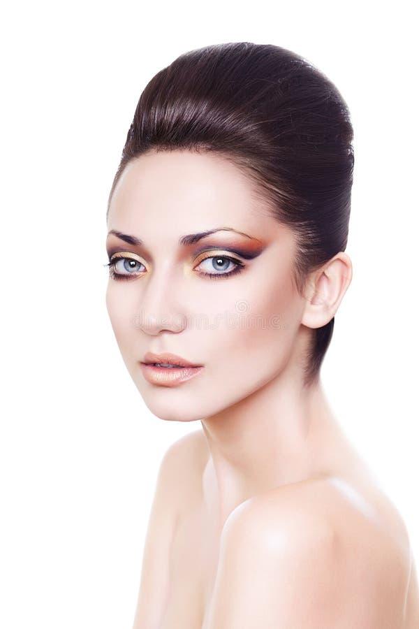 Señora atractiva hermosa fresca con la piel perfecta imagen de archivo