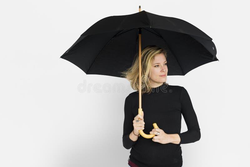 Señora caucásica Black Umbrella Concept fotografía de archivo libre de regalías