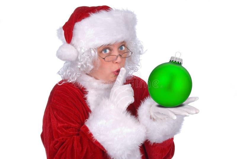 Señora Claus con el ornamento fotografía de archivo libre de regalías