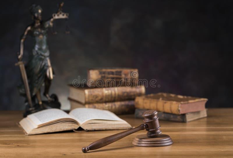 Señora de la justicia, del concepto de la ley y de la justicia fotos de archivo