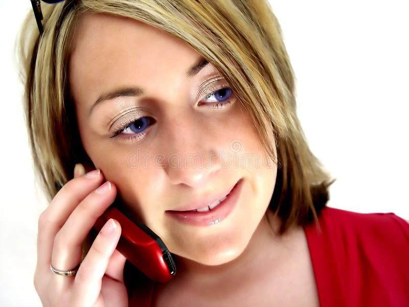 Señora en el teléfono celular fotos de archivo
